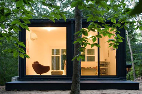 Shipping Container Studio by MB Architecture